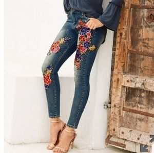 Boston Proper Floral Sequined Skinny Jean Size 2